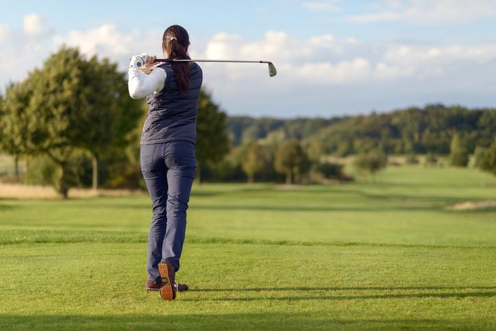 ゴルフ 坐骨神経痛 足元からの治療と腰からの治療